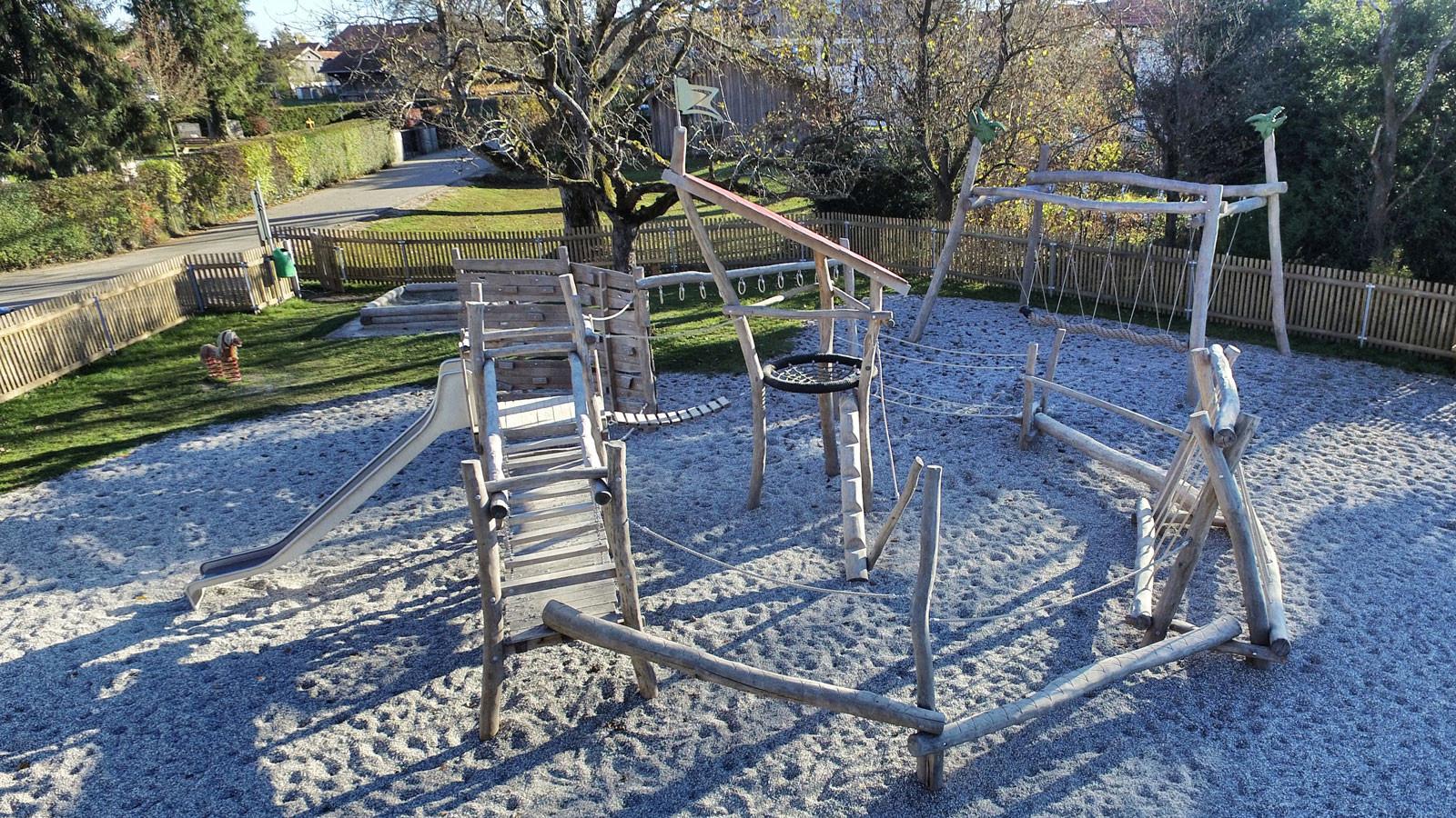 Abenteuerspielplatz-Großdingharting